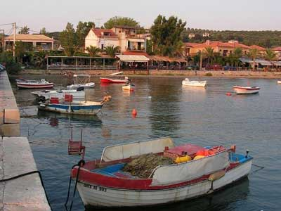 fresh fish and beaches close by in Giálova